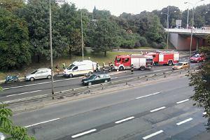 Wypadek na Trasie �azienkowskiej. Ogromny korek