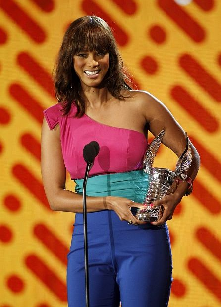 Tyra Banks accepts the Do Something style award at the Do Something Awards on Sunday, Aug. 14, 2011, in Los Angeles. (AP Photo/Matt Sayles)