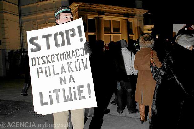 Litwa: Jest propozycja zapisu polskich nazwisk w oryginale. Wystarczy zmieni� kodeks cywilny