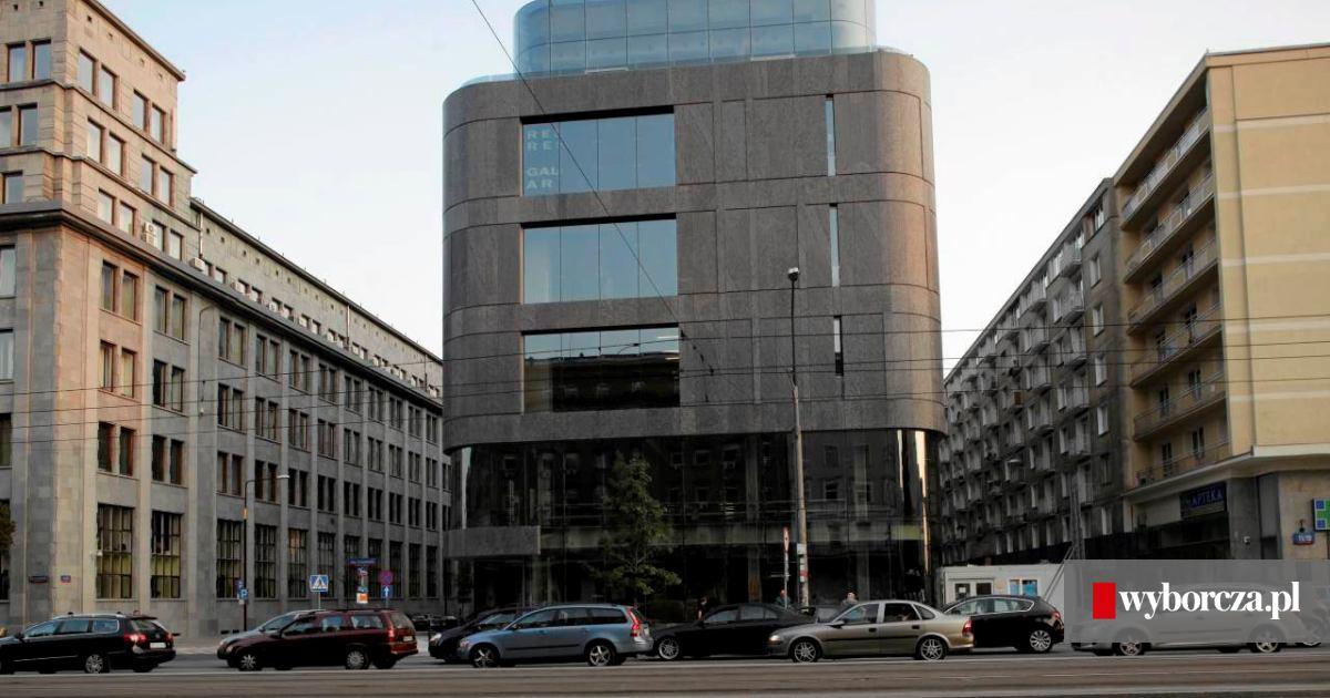 2dd65adba1fff Louis Vuitton otwiera sklep w Warszawie. Torebki po 15 tys. zł