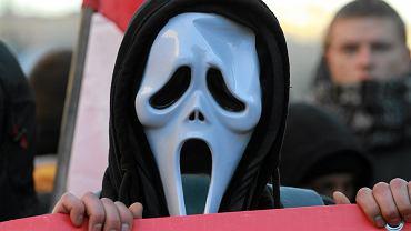 Jeden z blokujących Marsz Niepodległości 11 listopada 2011 r.
