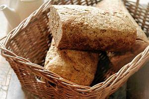 Dlaczego warto przejść na dietę bez pieczywa? Pozbądź się pszenicznego brzucha!