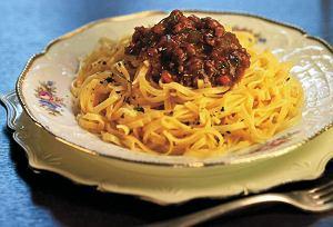Spaghetti z sosem mięsnym bez pomidorów