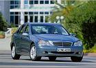 MERCEDES-BENZ Klasa C [W 203] 00-04, rok produkcji 2000, sedan, widok przedni prawy, samoch�d 4-drzwiowy, kolor niebieski jasny