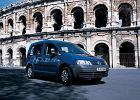 VOLKSWAGEN Caddy 1.9 TDI [2K], rok produkcji 2004,  widok przedni prawy, samoch�d 5-drzwiowy, kolor niebieski jasny