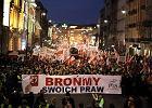 """""""Rz"""": Katolicki marsz PiS w stolicy. Będzie 100 tys. osób?"""