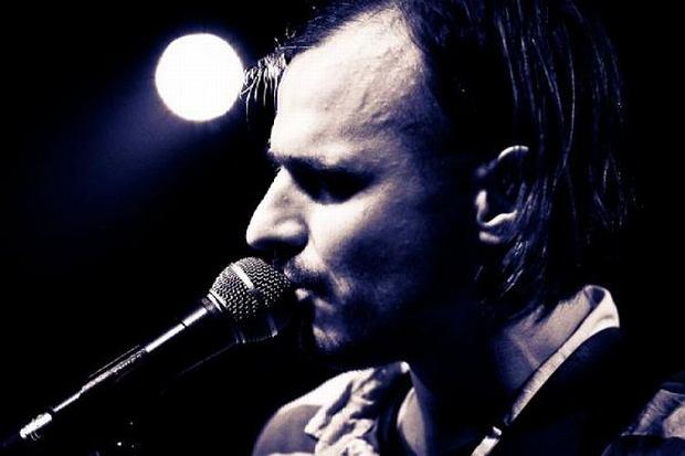 Michał Kowalonek, obecny wokalista Myslovitz, nagrał gwiazdkową piosenkę w ramach projektu Lumikulu.