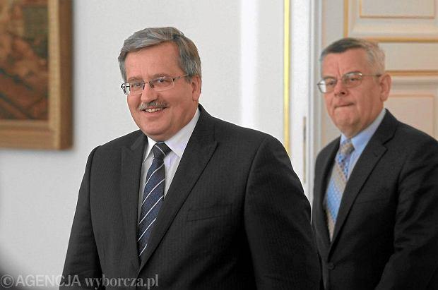 Prezydent Bronis�aw Komorowski i jego doradca - Tomasz Na��cz