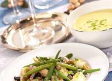 Sałatka ziemniaczana z oliwkami i fasolką - ugotuj
