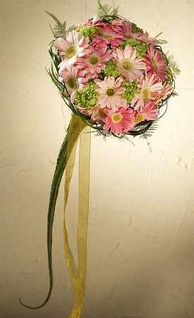 Zdjęcie numer 7 w galerii - Bukiet - dopełnienie  ślubnej kreacji