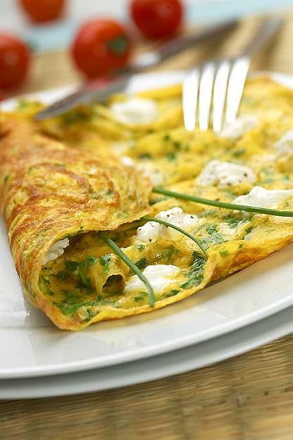 Menu dnia - grzanki z awokado, omlet i pyszne jab�ka