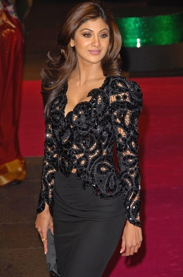 02/05/2007 - Shilpa Shetty - Music and Lyrics UK Premiere - Odeon Leicester Square - London, England - Keywords: ** No Publication in Scandinavia, France, Australia, Germany ** -  - ** No Publication in Scandinavia, France, Australia, Germany ** - Photo Credit: Photorazzi - Contact (1-866-551-7827)