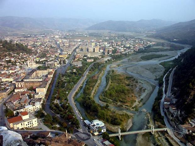 Podr�e po Albanii. Berat - miasto tysi�ca okien