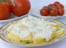 Sałatka z ziemniaków z serem blue - ugotuj