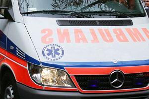 Wypadek na przejeździe kolejowym k. Grodziska Mazowieckiego. Matka z dwójką dzieci wjechała pod pociąg