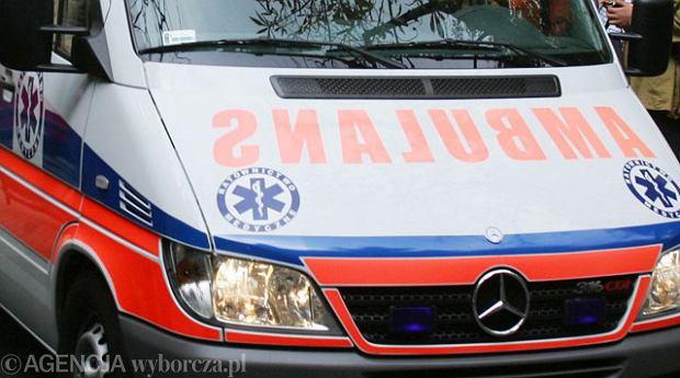 �wi�tokrzyskie: Wypadek busa Caritasu wioz�cego niepe�nosprawne dzieci. 3 osoby w szpitalu