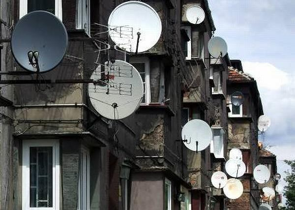 Z powodu silnej konkurencji, w najbliższych latach przychody płatnej telewizji w Polsce będą maleć.