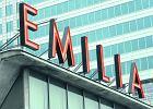 Neonowy boom na pawilonie meblowym Emilia