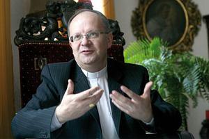 Biskup Andrzej Czaja: czujemy b�l ale i poczucie solidarno�ci
