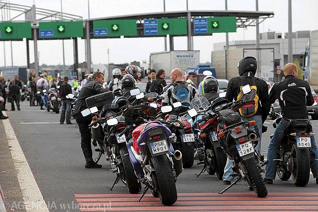 Protest motocyklistów na bramkach autostrady A2 w 2009 roku