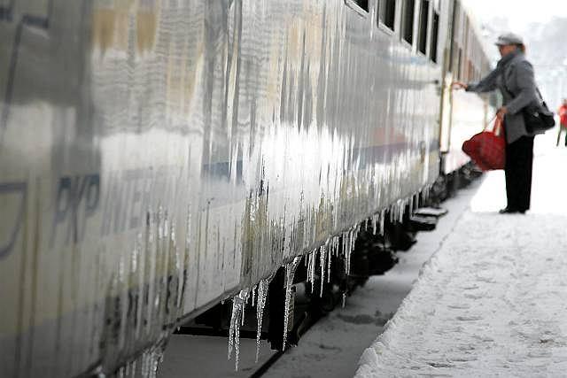 Mężczyzna, który położył się na torach nie miał szans w starciu z pociągiem