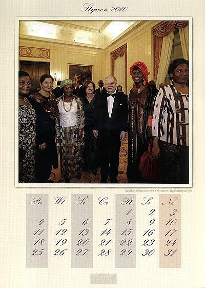 Prezydent Kaczy�ski na ka�dy miesi�c - jest kalendarz