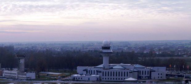 Awaria wieży kontroli lotów na Okęciu. Samoloty były uziemione przez 3 godziny