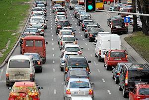 Korki to codzienność każdego miejskiego kierowcy.