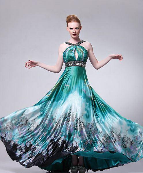 Sukienki na wesele, ok. 520 zł (prompartydresses.com)