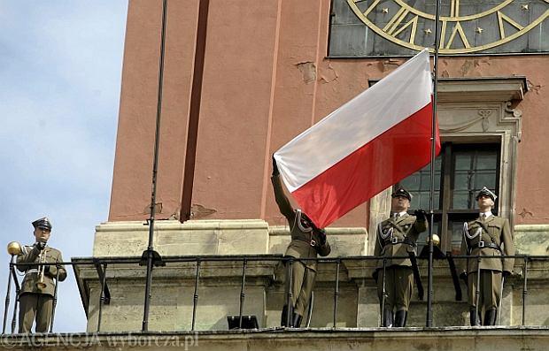 Warszawa w rocznicę zakończenia wojny: pokaz wozów bojowych i wieczorny capstrzyk