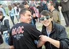 Autostrad� do piek�a: tysi�ce fan�w przysz�y na AC/DC