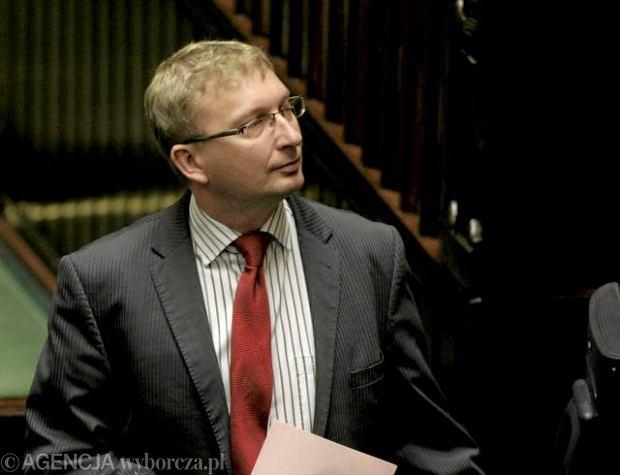 Pose� Artur G�rski zapowiada� w czwartek w Sejmie przebieg wprowadzenia ustawy o s�u�bie cywilnej
