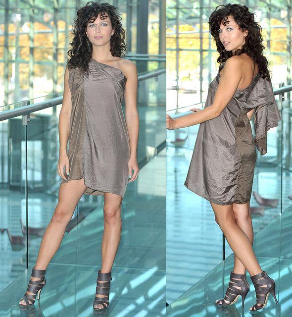 Ramona Rey w sukience z m�skich koszul
