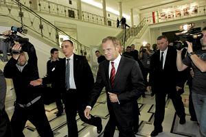 Związki partnerskie i tzw. reforma Gowina tematami spotkania Tuska z klubem PO