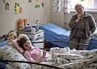 Prokuratura zajmie si� rodzin� 10-letniej Kariny i szpitalem, kt�ry j� leczy�