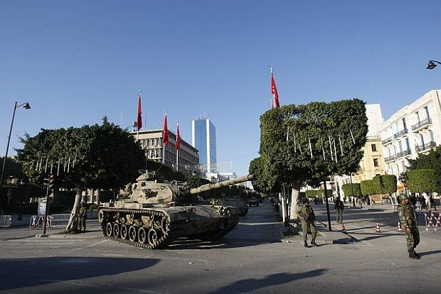 """Spokój po """"jaśminowej rewolucji"""" w Tunezji"""