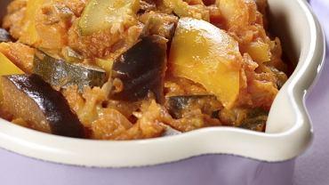Gulasz warzywny z kaszą jaglaną