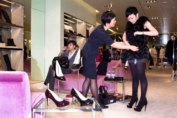 cf8e8abd67ec9 Luksus w Chinach rośnie dzięki milenialsom. Młodzież zdecyduje o zyskach  Gucci czy Prady