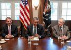 Ameryka w d�, Obama w g�r�