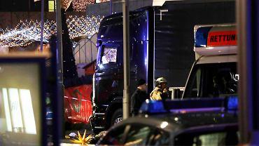 Ciężarówka wjechała w kiermasz świąteczny