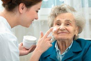 Sk�ra os�b starszych - najcz�stsze problemy i �rodki zaradcze
