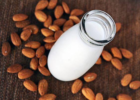 Mleko migdałowe - nowatorski produkt w naszej kuchni