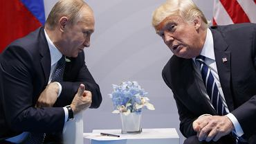 Putin i Trump podczas spotkania w Hamburgu w lipcu