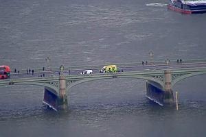 Atak przed parlamentem w Londynie. Są ranni, trwa ewakuacja
