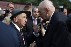 Bartoszewski i Lema�ski na rocznicy likwidacji getta