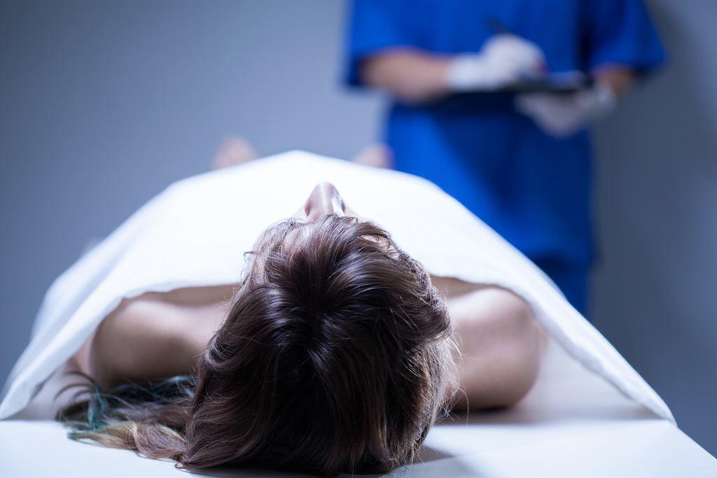 Programy donacji zwłok prowadzą praktycznie wszystkie wyższe uczelnie medyczne w Polsce (fot. KatarzynaBialasiewicz / iStockphoto.com)