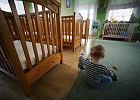 Dramat półrocznego Igora. Maltretowany chłopczyk sam w izolatce w domu dziecka