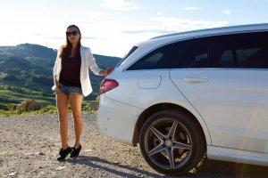 Anna Mucha, Toksania i nowe kombi Mercedesa