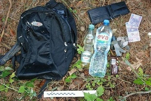 Rok temu w lesie pod Olsztynkiem znaleziono ciało. Policja próbuje rozwiązać zagadkę tajemniczej śmierci