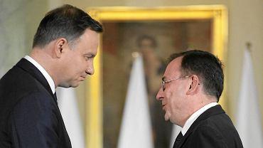 Prezydent Andrzej Duda i Mariusz Kamiński 16 listopada podczas zaprzysiężenia rządu. Tego samego dnia Kamiński został ułaskawiony